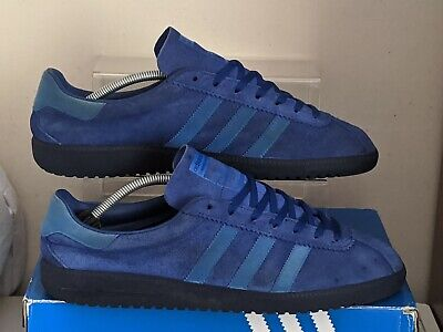 Adidas Bermuda used trainers size 11 with OG box originals
