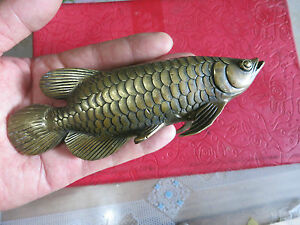 Chinese hand work old copper carved golden arowana statue for Arowana tank decoration