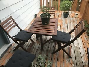 Out door Dining table with 4 chairs