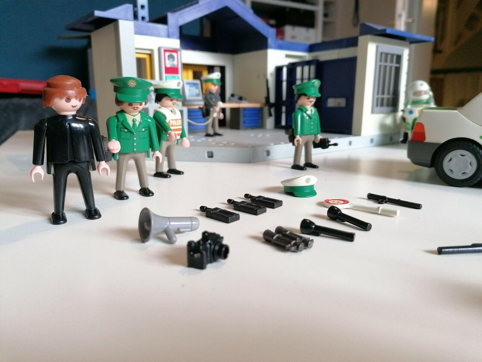 Playmobil Polizeistation mit Auto und Motorrad, gebraucht