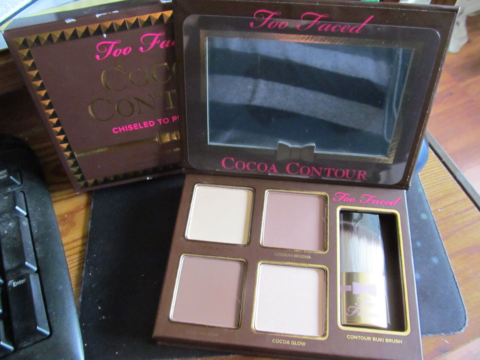 Too Faced- Cocoa Contour Chiseled To Perfection  BNIB w/