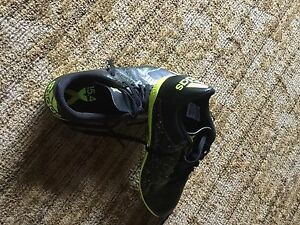 Boys indoor Adidas soccer shoes Size 5