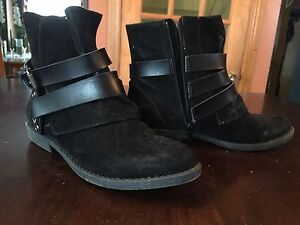 Size10 booties