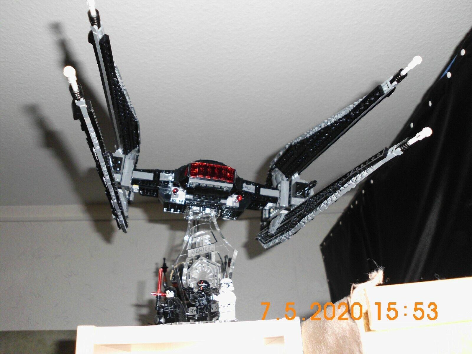 Lego Kylo Ren`s Tie Fighter 75179 + Standfuß gebraucht