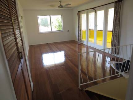 3 beds, 2 bath, study, rumpus-private rental pets ok in The Gap Brisbane City Brisbane North West Preview