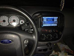 Ford escape 2002 deja sur pneu hiver tres bon