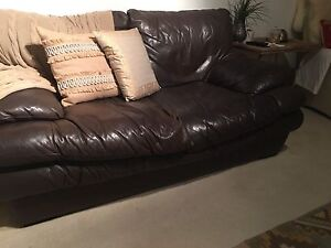 Leather lounge East Kurrajong Hawkesbury Area Preview