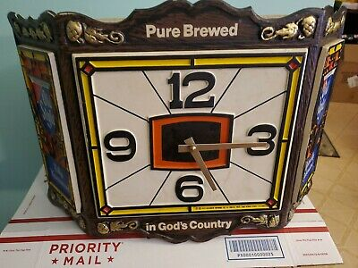 Vintage 1976 Old Style Beer Tiffany Style Lighted Wall Clock Keeps Time