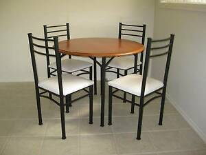 round dining table and chairs Maryland Newcastle Area Preview
