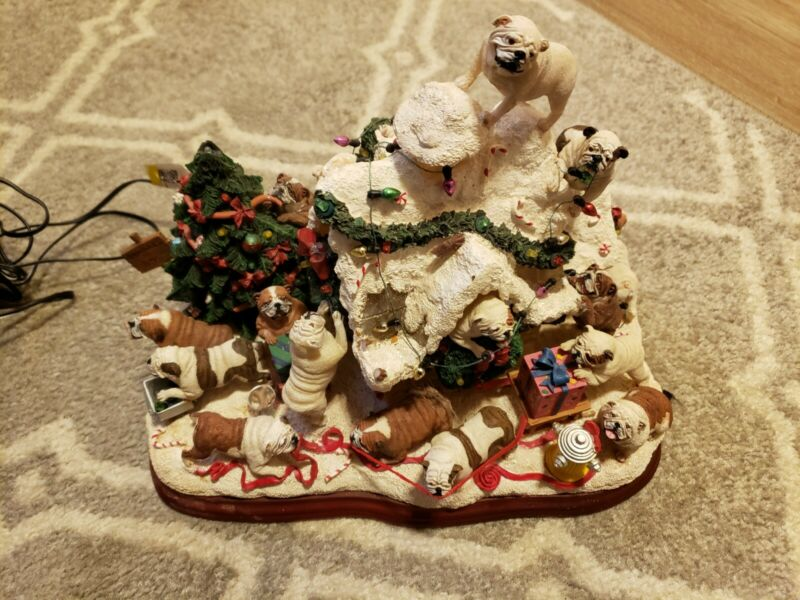 Danbury mint Light Up bulldog Christmas Doghouse Rare