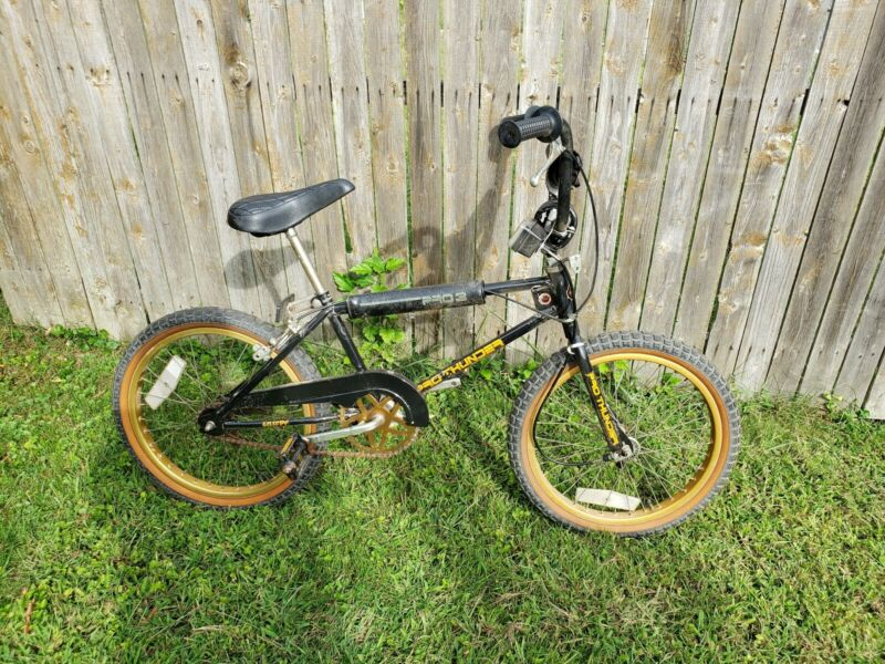 Vintage Old School Huffy Pro Thunder BMX Bike Bicycle