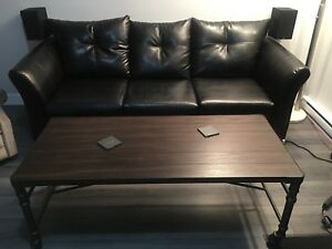 Sofa similicuirs flambant neuf + Table basse