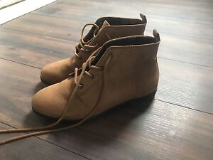 Boots size 6 ankle f21