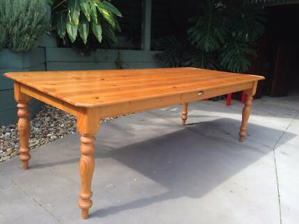 Pine 8 Seater Dining Table