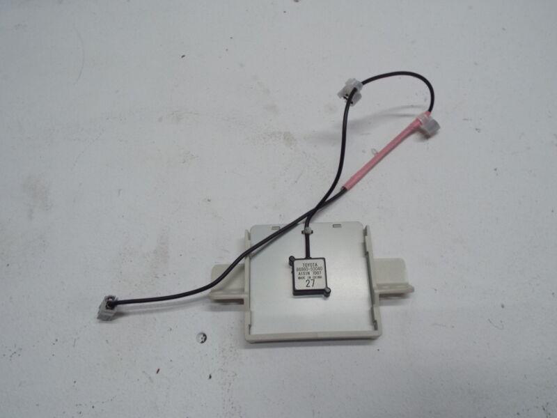 Toyota Lexus GPS Navigation Sensor  GPS Sensor 86860-53040 REF1484