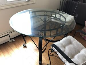 Glass dining table OBO