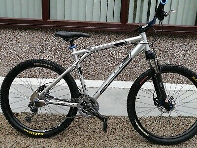 GT MOUNTAIN BIKE