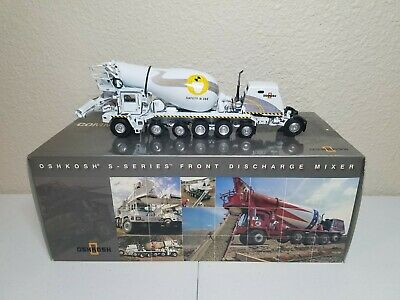 Oshkosh S-Series Cement Mixer Truck Safety 360° TWH 1:50 Model #075/01065 New! (Oshkosh Cement Mixer)