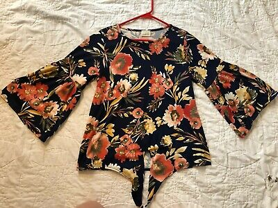EUC Caution To The Wind Navy W/Floral Print Front Tie/Knot 3/4 Sleeve Top, Sz M!