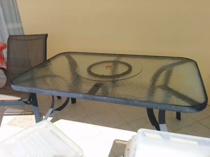 Outdoor table Sylvania Waters Sutherland Area Preview