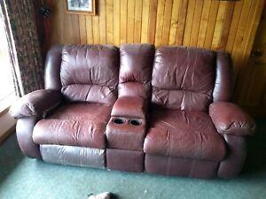 Recliner lounge set.