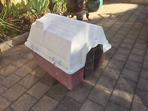 Old Sturdy Petmate Plastic Dog Kennel Beckenham Gosnells Area Preview