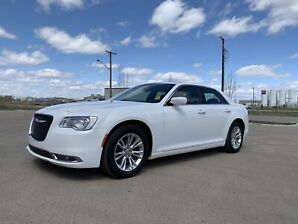 2015 Chrysler 300 *Heated Leather *Nav*Sunroof*