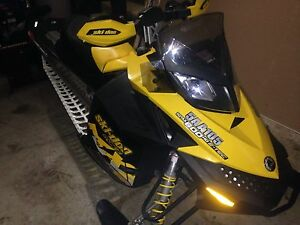 2010 skidoo 600 etec looking to trade. MINT