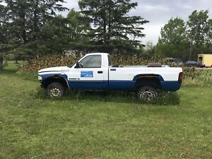 2000 dodge for parts