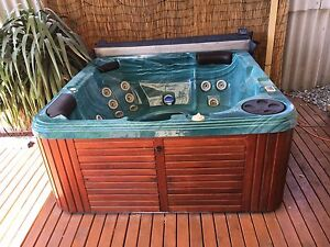 5 Seater Spa for sale Warnbro Rockingham Area Preview