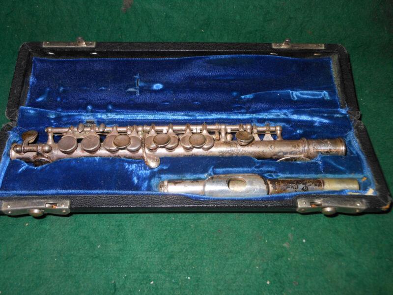 Selmer Signal vintage piccolo-in original case,rare Serial 6344 Original Case