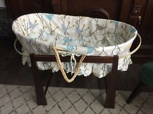 Moses bassinet jolly jumper with stand