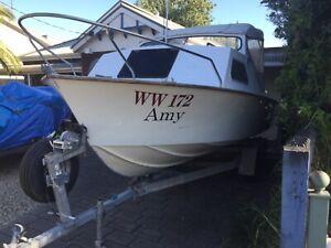 Hartley Cabin Cruiser- A great boat!