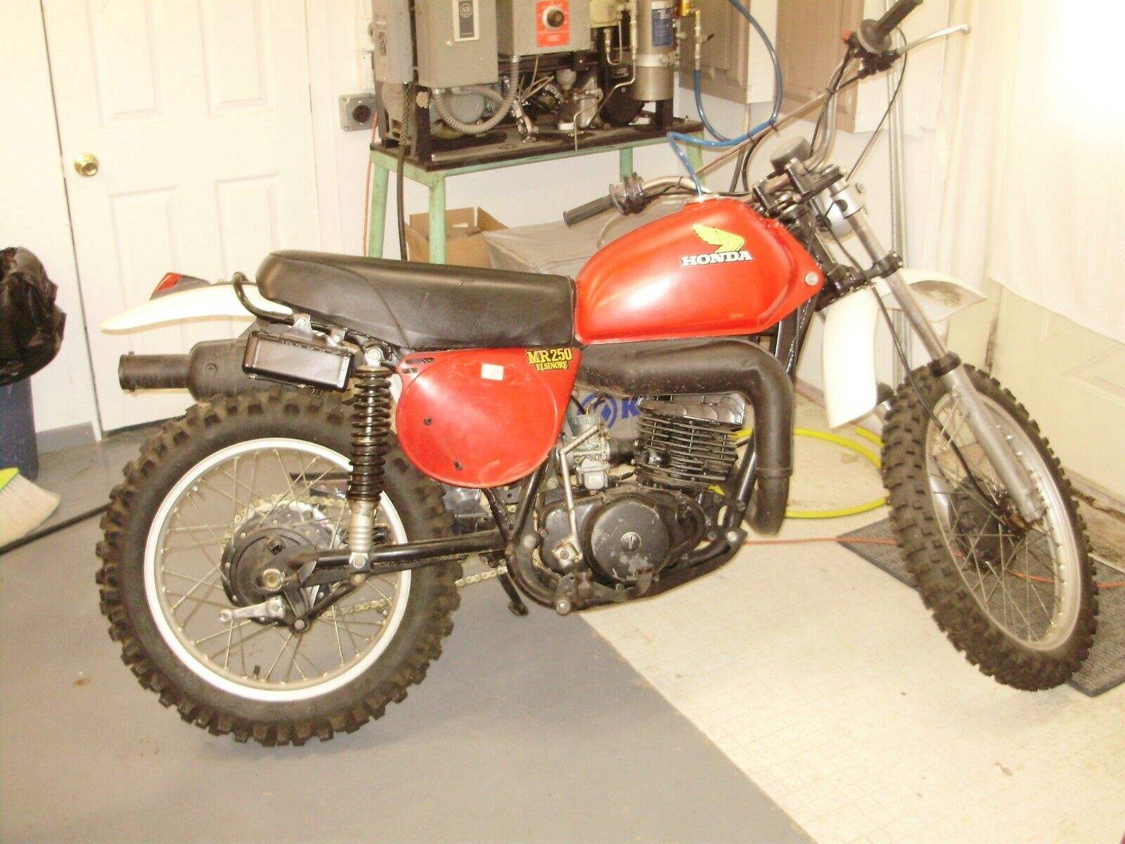 Picture of A 1976 Honda CR