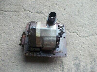 Farmall 460 Rc Ihc Tractor Good Working Hydraulic Pump Cover Panel
