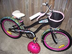 GIRL'S NITRO BEACH CRUISER WITH HELMET Coombabah Gold Coast North Preview