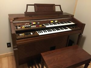1980's Yamaha Electone Piano/Organ with Bench