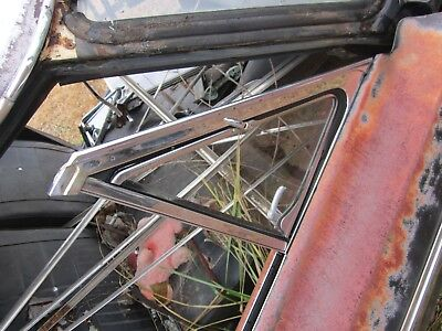 65 FORD FAIRLANE 2 DOOR HARDTOP RIGHT FRONT VENT WING WINDOW & FRAME CLEAR 4H
