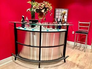 Modern Bar Unit With Stools