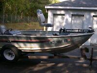 1986 Bass Tracker Tournament V-17 17' Bass Boat & Trailer - North Carolina