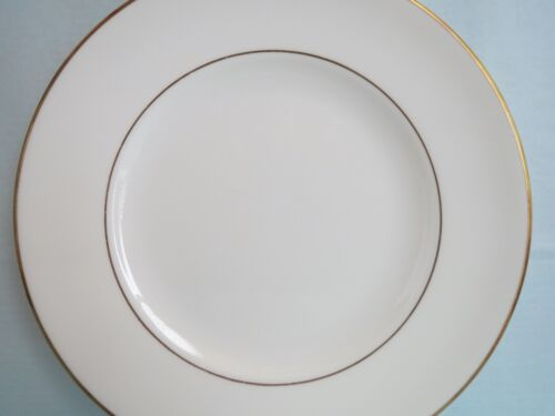 """Vintage WEDGEWOOD made in England Bone China REGAL GOLD SALAD PLATE 8"""""""