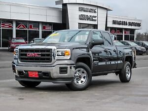 2015 GMC Sierra 4WD DOUBLE CAB ..ONE OWNER
