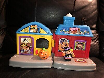 Lot 2 Fisher Price Little People Trick or Treat Surprise Haunted House Witch GUC