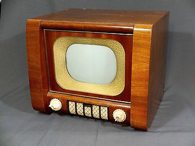 Sehr gut erhaltener RUBENS - Fernseher (Sachsenwerk Radeberg, VEB) goldene Maske