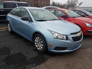 2011 Chevrolet Cruze LS - EXTREMELY CLEAN CAR INSIDE AND OUT!