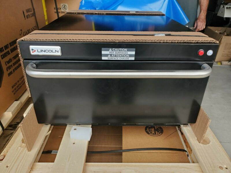 Lincoln/Welbilt SPGCR-03282 Commercial Pizza Oven New In Box!