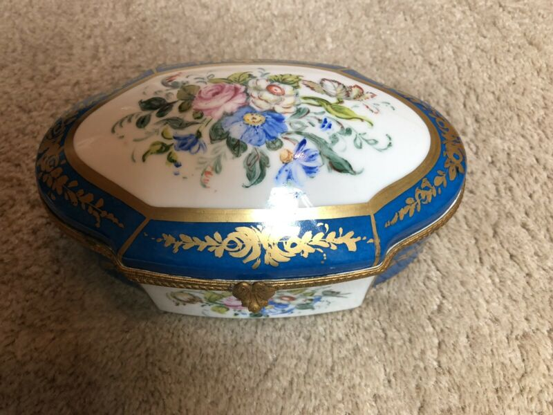 ANTIQUE FRENCH HAND PAINTED LARGE PORCELAIN JEWELRY VANITY BOX JEWELRY CASKET