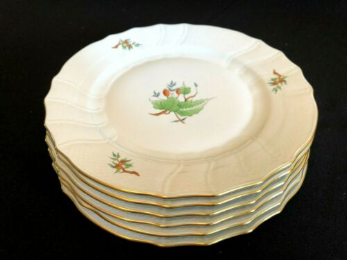 HEREND PORCELAIN HANDPAINTED DINNER PLATE WITH ROSEHIP PATTERN 1524 (6pcs.)