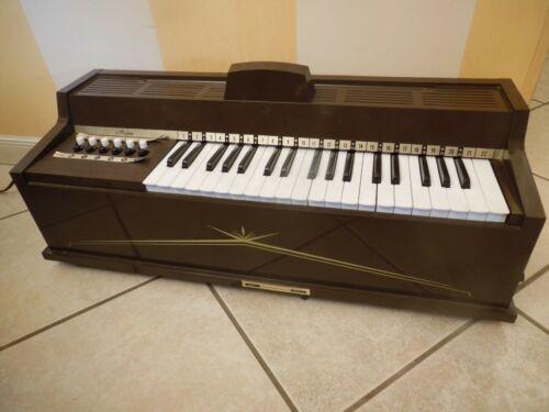 Magnus Organ/keyboard, vintage , model # 481