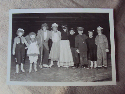 Vintage 1950's Photograph Snapshot Group Young Children Costumes Halloween 5x7 B - 5 Group Costumes Halloween